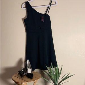 MATERIAL GIRL. NANTUCKET little black dress